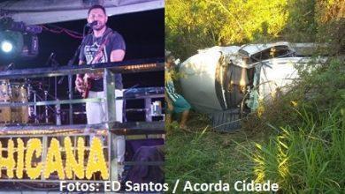 Foto de Acidente de carro mata vocalista da banda Chicana na BR-116 em Feira de Santana
