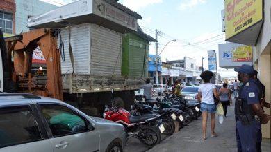 Foto de Prefeitura anuncia suspensão da retirada de barracas do centro de Feira de Santana
