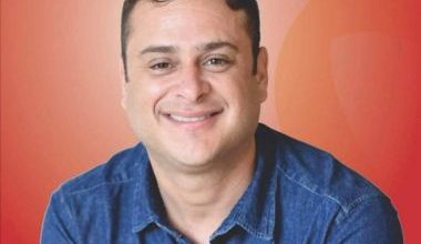 Foto de Kadu Castro, candidato a prefeito de Coaraci, morre vítima da Covid-19