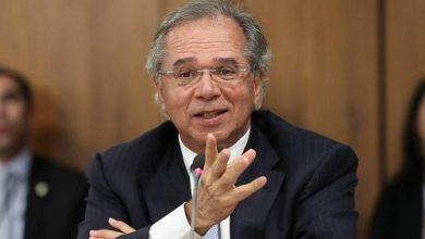 Foto de Auxílio será de 4 parcelas de R$ 300, diz Guedes a aliados