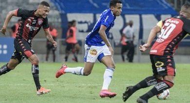 Foto de Vitória é derrotado pelo Cruzeiro por 1 a 0, fora de casa