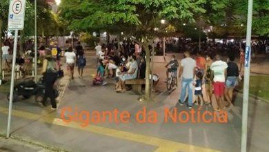 Foto de População lota Praça Padre Mateus na noite desta segunda (12)