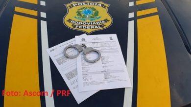 Foto de Foragido da Justiça da Bahia, falso advogado é preso pela PRF em Alagoas
