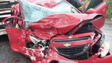 Foto de Itabuna: Batida entre carro e caminhão deixa duas mulheres mortas e uma ferida