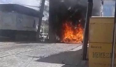 Foto de Protesto após morte de jovem em confronto com a polícia na cidade de São Felix