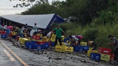Foto de São Gonçalo dos Campos: Batida frontal entre veículos de carga deixa mortos na BR-101