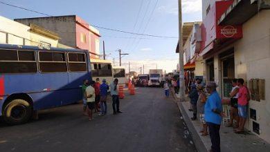 Foto de Prefeitura de SAJ proíbe estacionamento de caminhões e carros em parte da Feira Livre e causa indignação em comerciantes