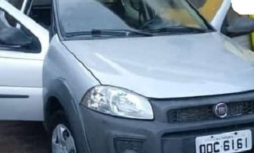 Foto de Ladrões roubam carro em Valença e levam proprietário como refém