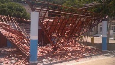 Foto de Teto de academia pública desaba antes de ser entregue à população em Mutuípe