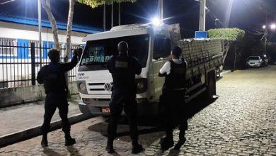 Foto de Amargosa: Guarda Municipal apreende caminhão de madeira ilegal