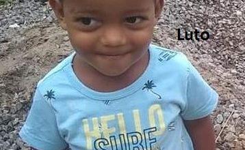 """Foto de Criança de 2 anos morre no Hospital Regional de """"causa desconhecida"""" após entrada com quadro de febre. Polícia determina necropsia para identificar causa da morte"""