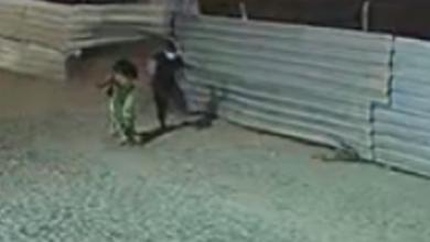 Foto de Nazaré: Casal escapa de atropelamento após carro desgovernado invadir calçada