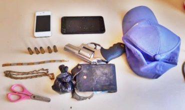 Foto de Trio é preso em Muniz Ferreira com droga e arma de fogo