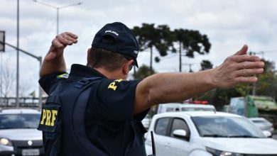 Foto de PRF fiscaliza estradas e cumprimento de restrição de tráfego na Operação Semana Santa