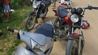 Foto de Polícia recebe denúncia sobre jovens empinando motos na BA 026