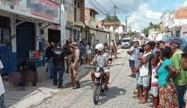 Foto de Suspeitos de assaltos são agredidos por populares e morrem em Feira de Santana
