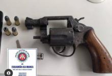 Foto de Amargosa: Polícia apreende arma de fogo e celular no Alto da Bela Vista