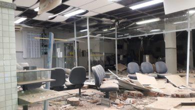Foto de Agência do BB é explodida por homens armados em Conceição do Almeida