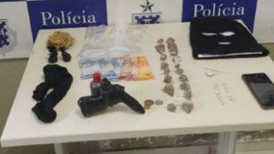 Foto de Castro Alves: Polícia recupera moto roubada, apreende drogas e jovem é preso em flagrante