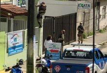 Foto de Ladrão deixa empresa usando roupa de funcionário após assalto em Santo Antônio de Jesus