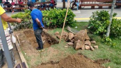 """Foto de Prefeitura está reinstalando o memorial do """"marco zero"""" de Santo Antônio de Jesus"""