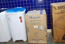 Foto de SAJ: Polícia prende funcionário de desviar objetos de loja e vender a preço de banana; receptador também foi preso