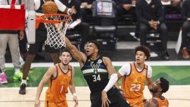 Foto de Antetokounmpo tem jogo épico, Bucks vencem Suns novamente e são campeões da NBA após 50 anos