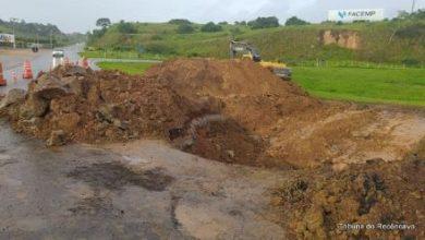 Foto de SAJ: Cratera está sendo fechada na Praia do Dendê