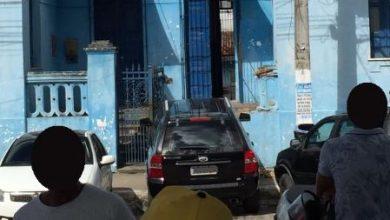 Foto de SAJ: Carro invade prédio do histórico Colégio Felix Gaspar