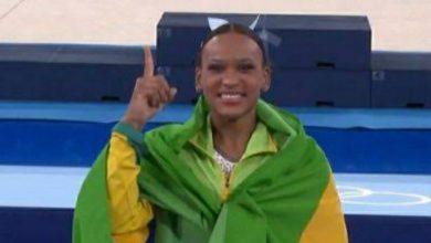 Foto de Rebeca conquista ouro e prata em competições olímpicas individuais