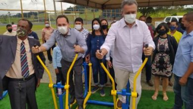 Foto de Muniz Ferreira completa 59 anos e recebe visita do governador Rui Costa e prefeitos da região
