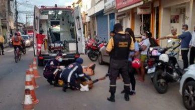 Foto de Acidente deixa três pessoas feridas no centro de SAJ nesta segunda (09)
