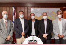 Foto de Prefeito de Dom Macedo Costa se reúne com Governador Rui Costa para tratar da implantação de ciclovia no município.