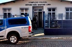 Foto de Dom Macedo Costa: Empresário é levado como refém por homens armados que assaltaram casa lotérica