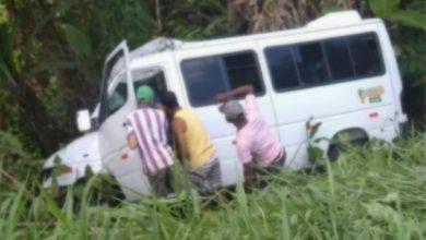 Foto de Passageira morre em acidente com Sprinter de Gandu, após pneu estourar