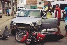 Foto de Acidente entre carro e moto é registrado em Santo Antônio de Jesus
