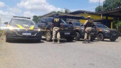 Foto de Polícia recupera caminhonete tomada de assalto em Santo Antônio de Jesus